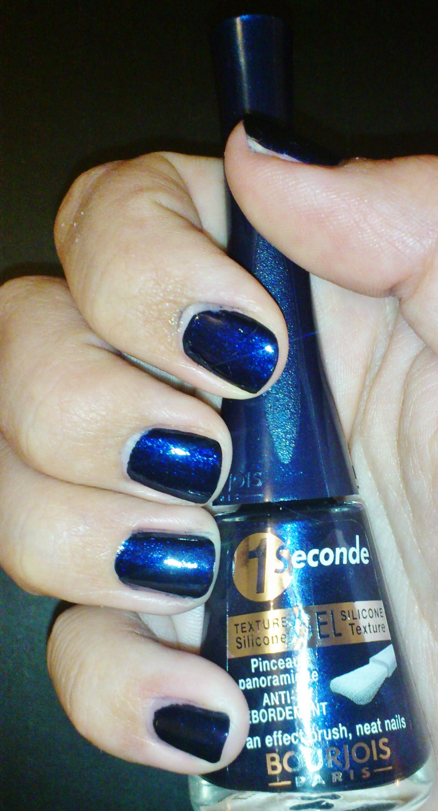 revue du vernis bourjois bleu moonlight nail art au scotch et stamping la revue de sam. Black Bedroom Furniture Sets. Home Design Ideas