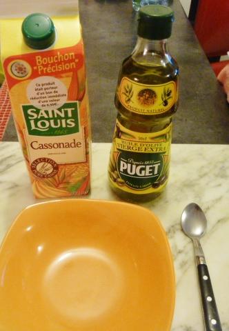 1 cuil. à café d'Huile d'olive et une cuil. à café de sucre de canne
