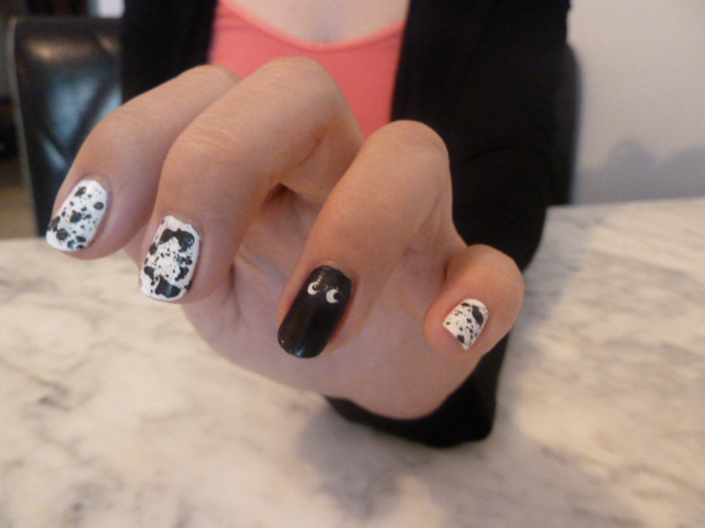 nailstorming halloween en splatter black white la revue de sam. Black Bedroom Furniture Sets. Home Design Ideas