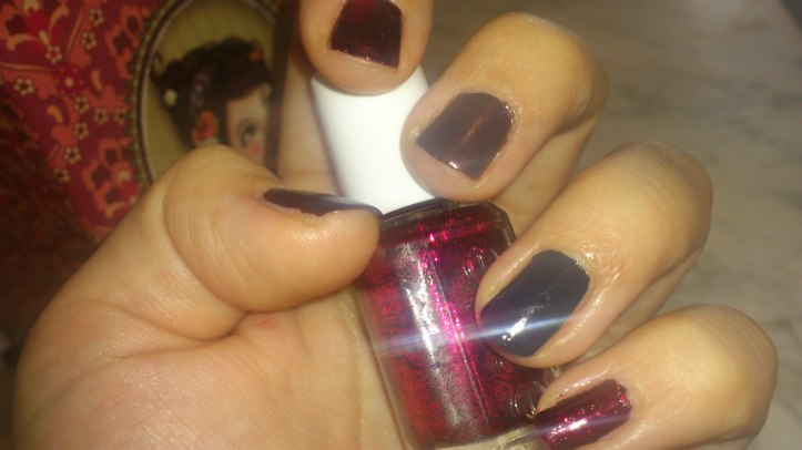 nail-ar-noel-christmas-essie-collection-shearling-darling