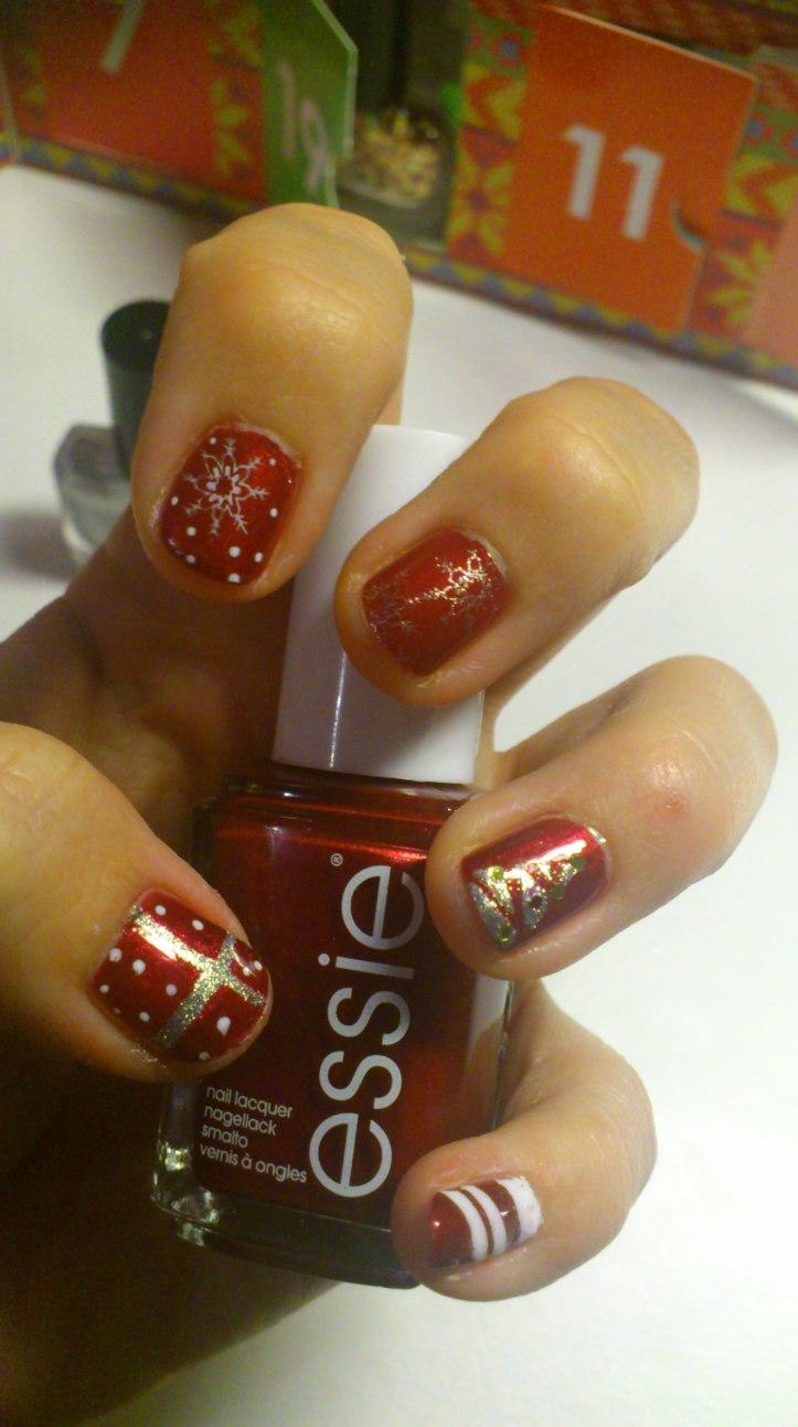 manucure-nail-art-essie-christmas-noel