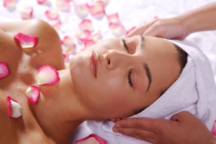 Massage-soin-beauté-visage-idée-cadeau-st-valentin