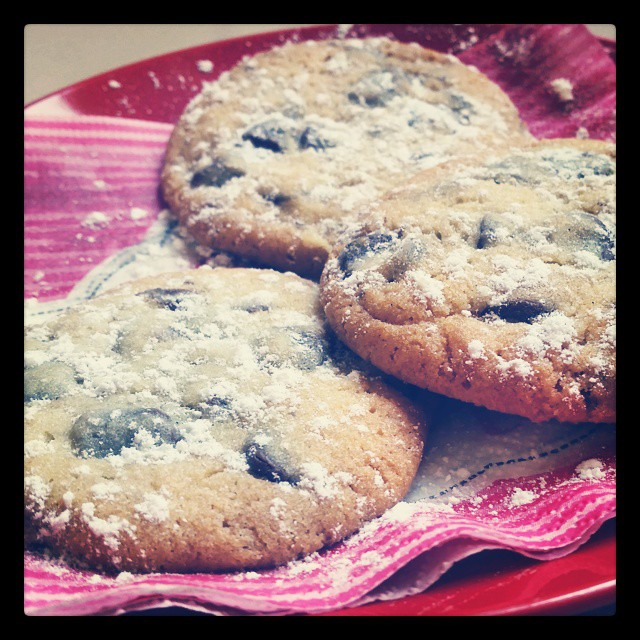 Morning cookies ! Un ptit dej' aux #cookies c'est pas mal aussi, surtout quand ils sont encore tout chaud ... #miam !