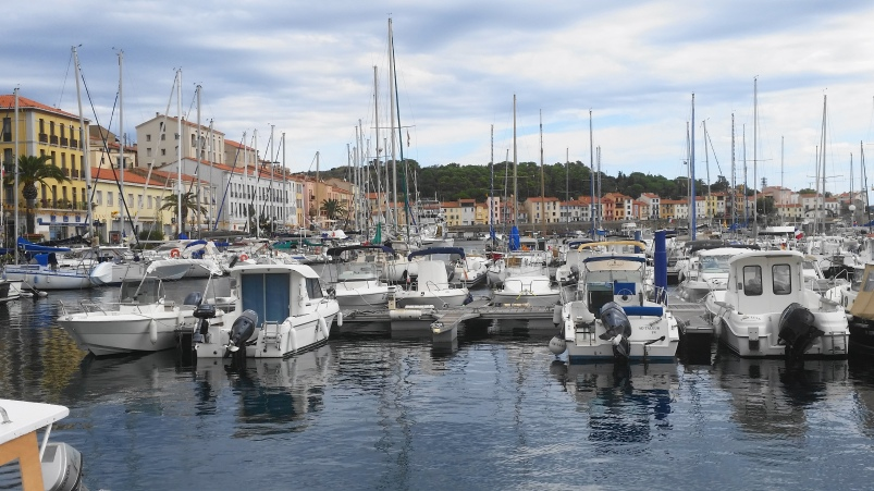 road-trip_voyage_port_vendres_sud_france-photos_larevuedesam_bateau