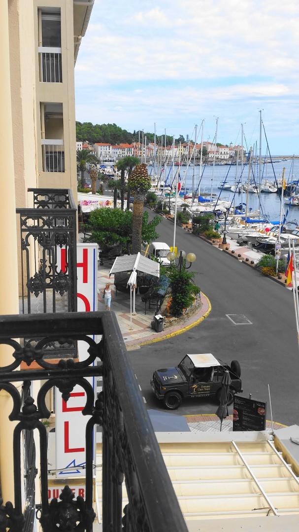road-trip_voyage_port_vendres_sud_france-photos_larevuedesam_bateau_hotel