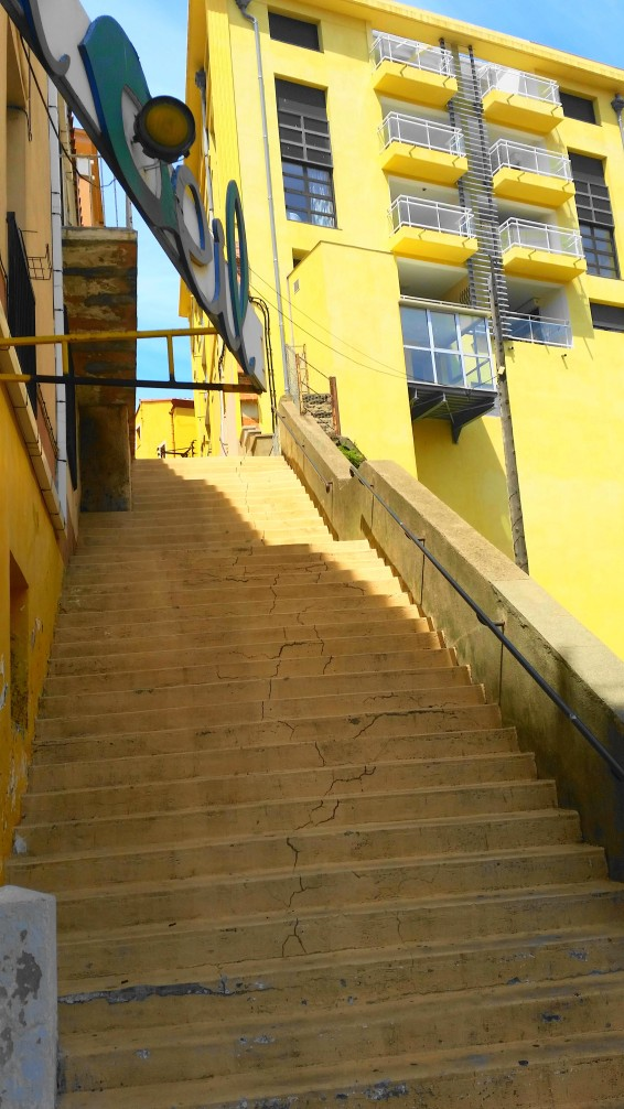 road-trip_voyage_port_vendres_sud_france-photos_larevuedesam_rue