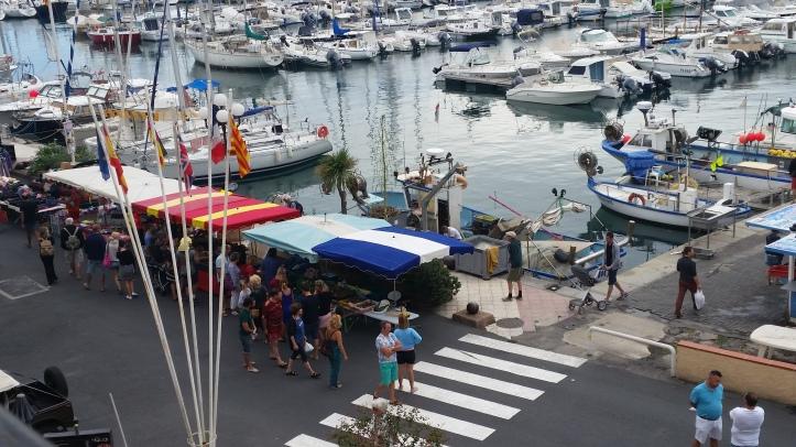road-trip_voyage_port_vendres_sud_france-photos_larevuedesam_marché