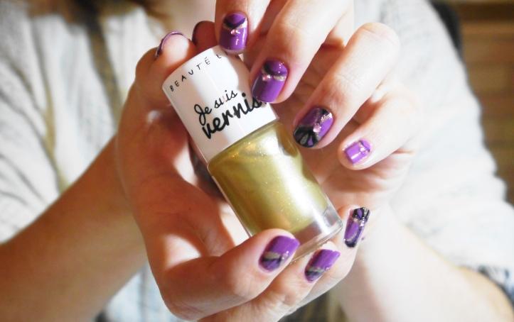royal-nail-art-frozen-dress-vernis-beautelive-doré