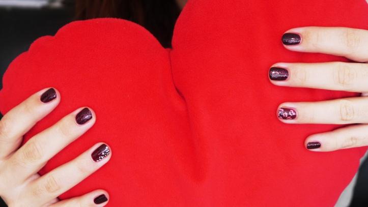 st-valentin-fête-de-l-amour-nail-art-manucure-idees
