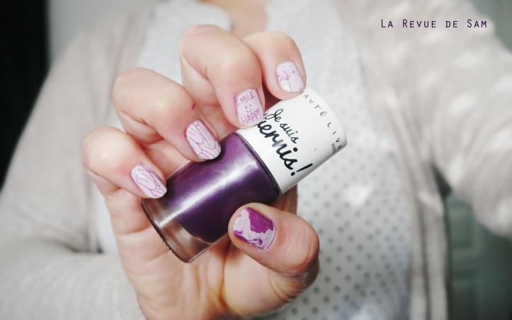 signe-astrologique-vernis-beautelive-myrtille-irise-nail-art-stamping